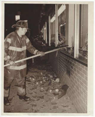 Fire in Supermarket. Carmine Donofrio, New York City, Firefighters