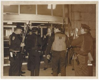 'Attempted break in at the tombs'. Middlemiss, New York City, Policemen