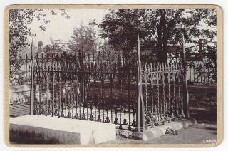 [Brigham Young's grave]. Charles Roscoe Savage.